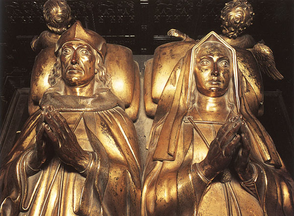 The tomb effigies of Henry VII and Elizabeth of York in Westminster